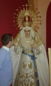 El vestidor junto a su Virgen de la Salud