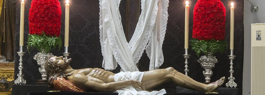 Detalle de la Cruz restaurada para los Cultos