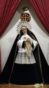 Reina de los Ángeles ataviada para el mes de Noviembre con su nueva Diadema.