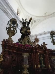 En su paso procesional
